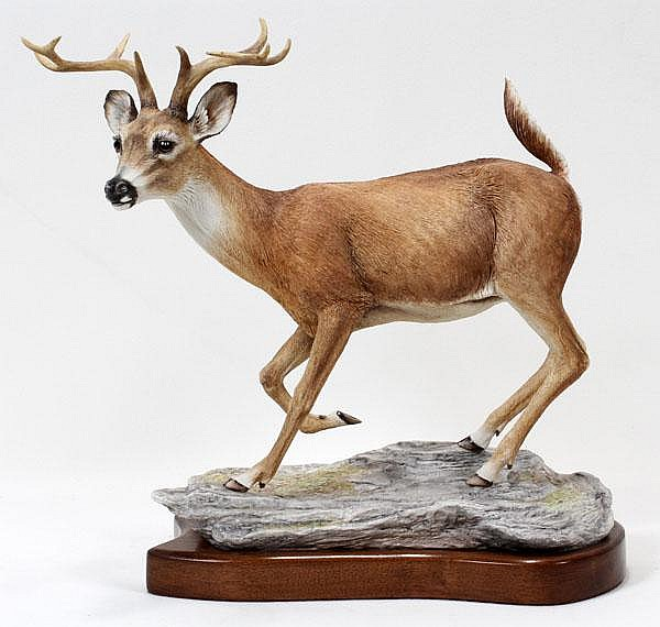 BOEHM PORCELAIN WHITE TAILED BUCK, H 13