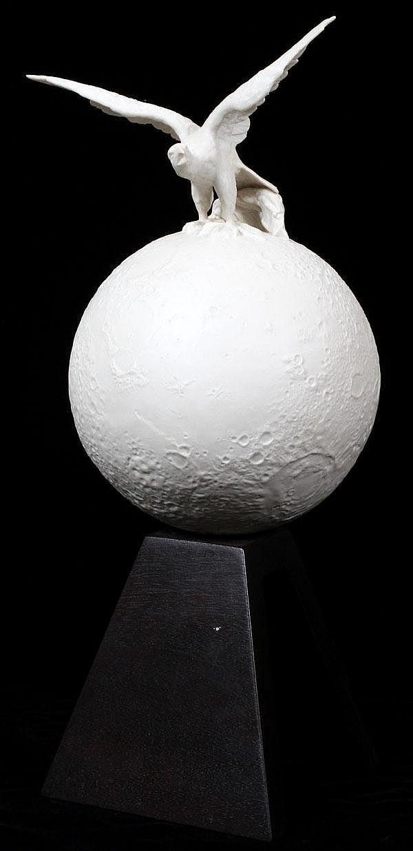 CYBIS PORCELAIN FIGURE 'EAGLE ON MOON', H 17