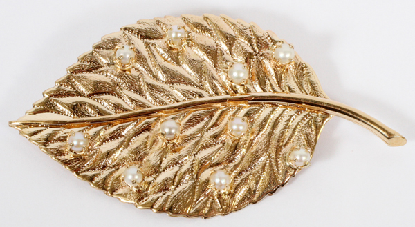 14KT YELLOW GOLD & PEARL LEAF BROOCH
