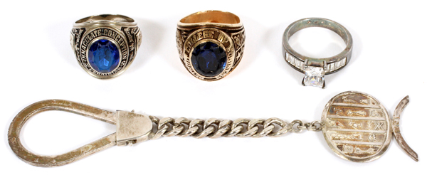 10KT GOLD & SILVER RINGS & KEYCHAIN, 4 PCS.