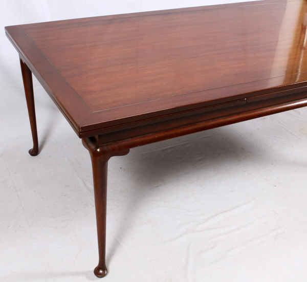 KITTINGER MAHOGANY DINING TABLE AND CHAIRS 9 PIECES
