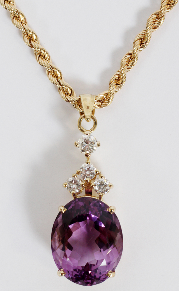 AMETHYST, DIAMOND & 14KT GOLD PENDANT NECKLACE