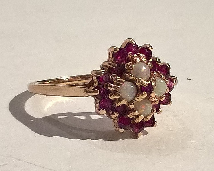 9ct Gold Dress Ring Set Ruby / Moonstone