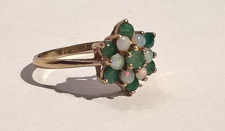 9ct Gold Dress Ring Set Emerald / Moonstone