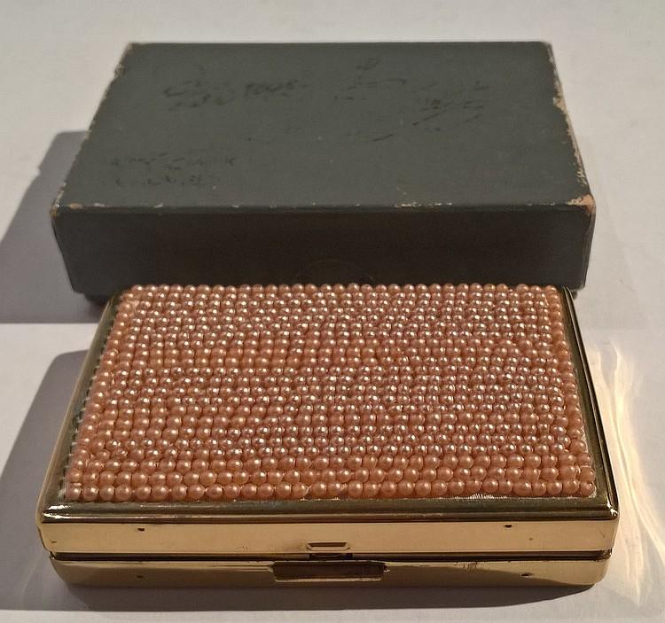 CLOVER Musical Powder Compact, gilt metal, faux pe