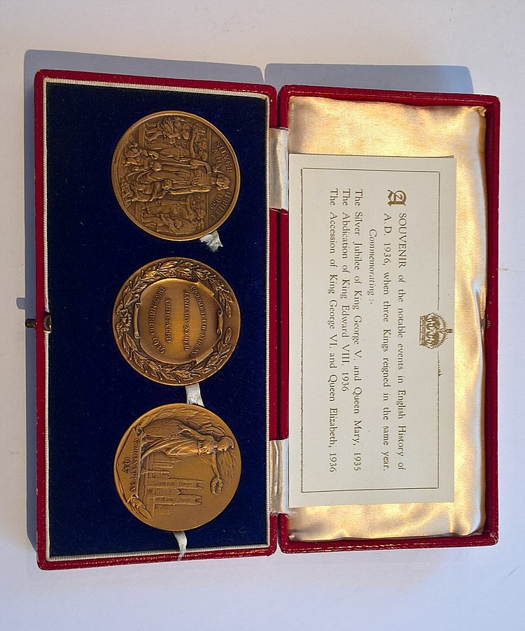 Three Kings Souvenir Bronze Medal Boxed Set; 'A So