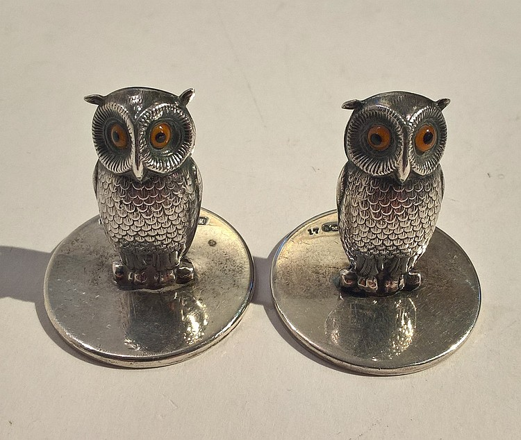 Pair Place Settings in the form of Owls, glass eye