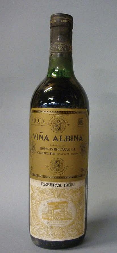 11 bottles Rioja Viña Albina Reserva 1982