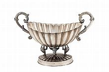 A silver centrepiece