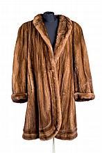 Vison fur coat. size 42-44