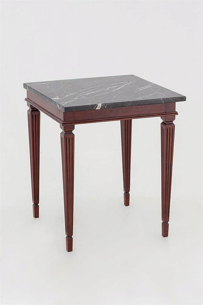 A Luis XVI style occasional table