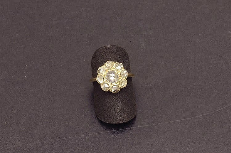 Gold ring with old cut diamonds