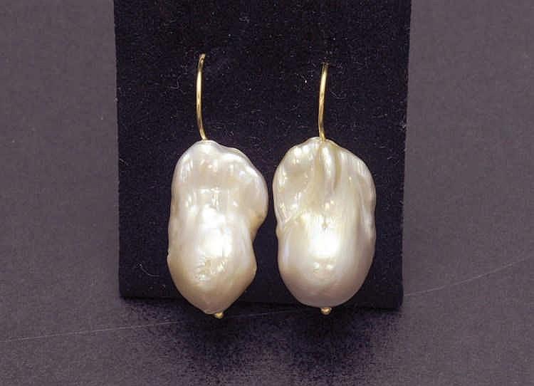 Baroque pearl gold earrings