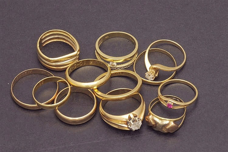 12 gold rings