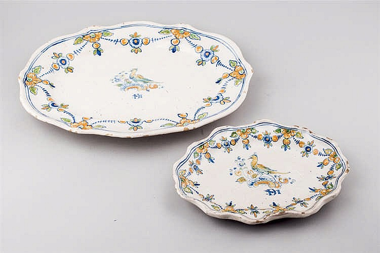 Set of two Talavera ceramic serving plates.19 thC