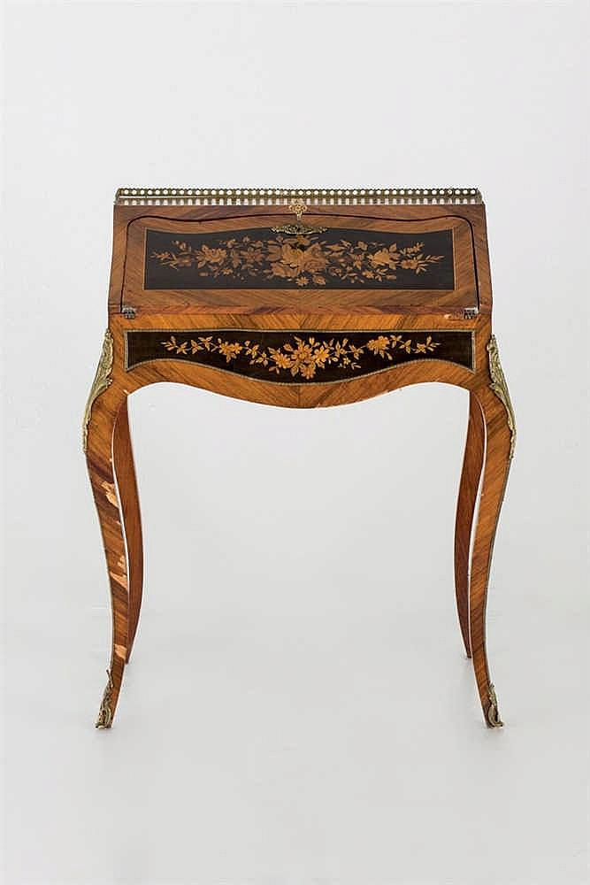 A 19 th,C Luis XV style bonheur du jour