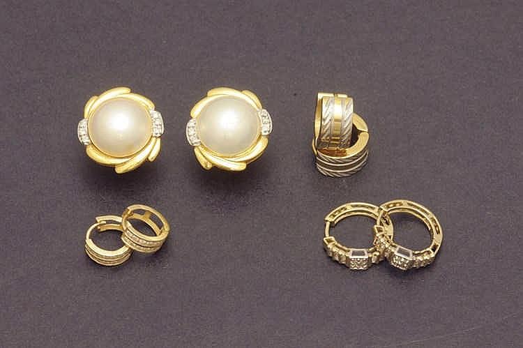 Four pair of earrings 14 K. gold