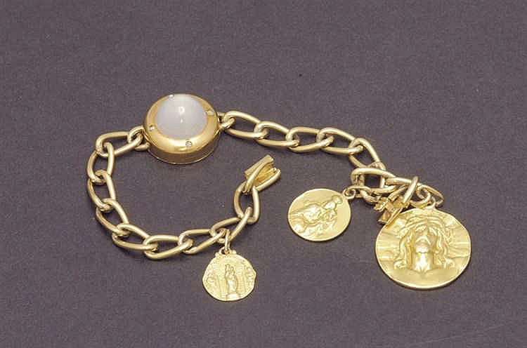 18 K. gold bracelet with pendants