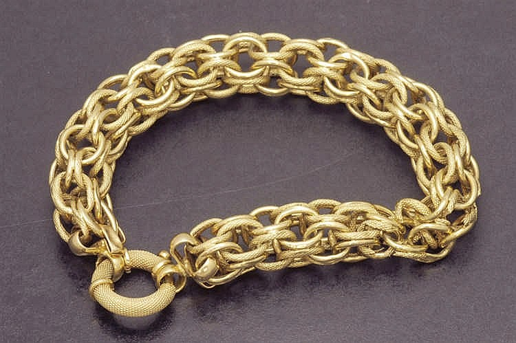Damaged yellow gold bracelet
