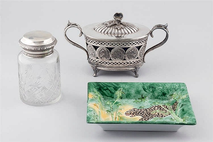 Sugar bassin, ashtray and glass jar