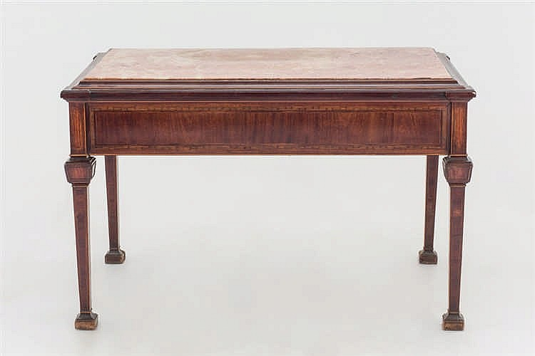 An early 20 th.C mahogany centre table
