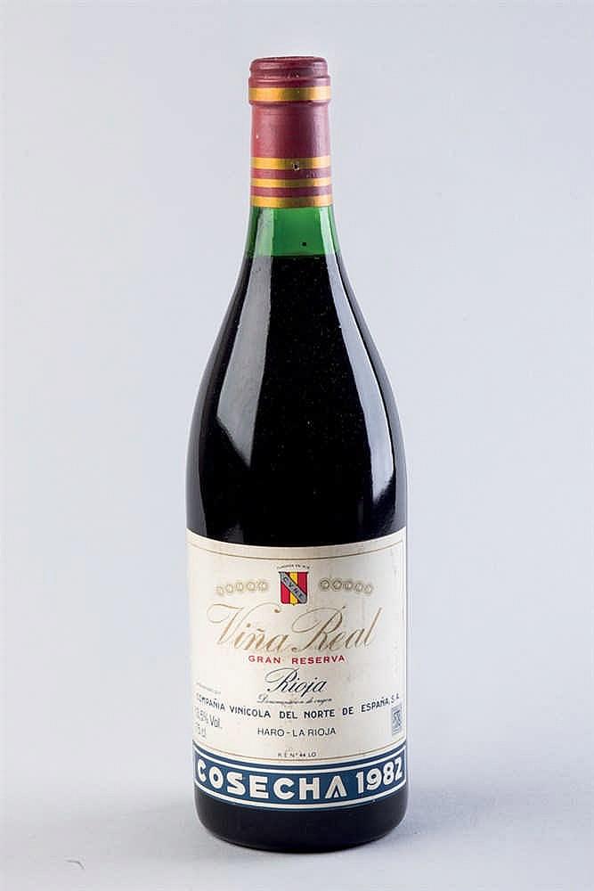 2 bottles Rioja Viña Real G. R. 1982