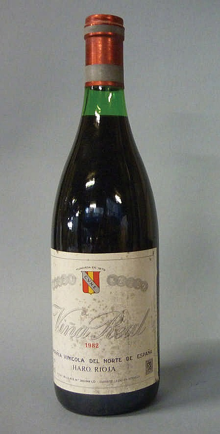 11 bottles Viña Real 1982