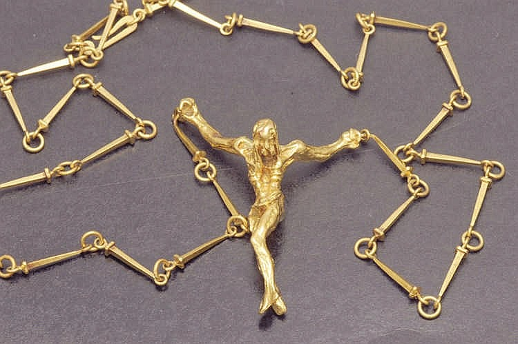 Yellow gold Christ pendant