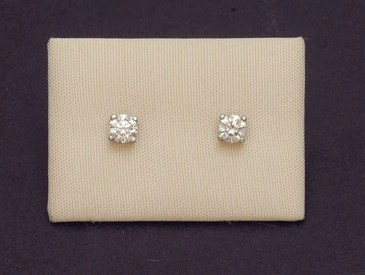 Diamond earrings 0,45 cts