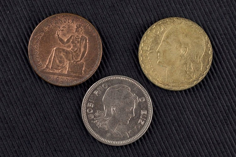 43 Spanish Republic coins