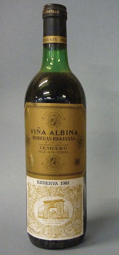 11 bottles Viña Albina Reserva 1981