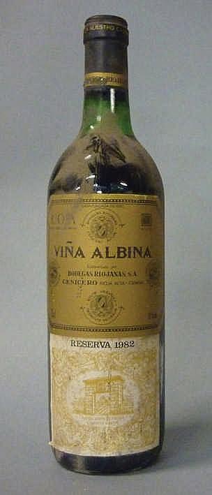12 bottles Rioja Viña Albina Reserva 1982