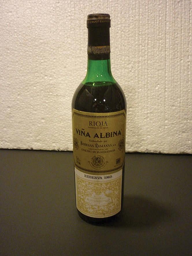 11 bottles Rioja Viña Albina Reserva 1985
