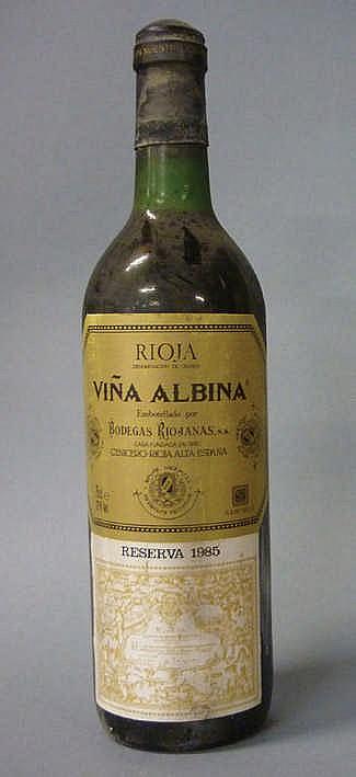 12 bottles Viña Albina Reserva 1985