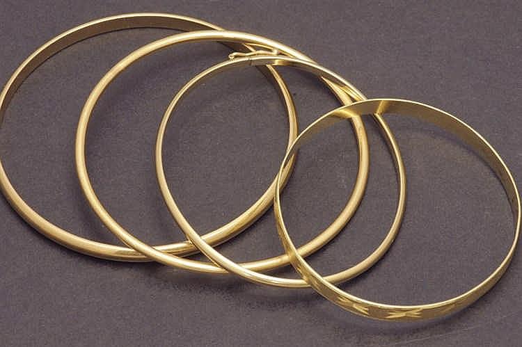 Four 18 K. gold bracelet