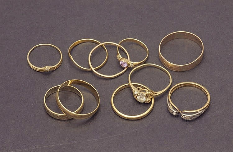 Ten 14K gold rings