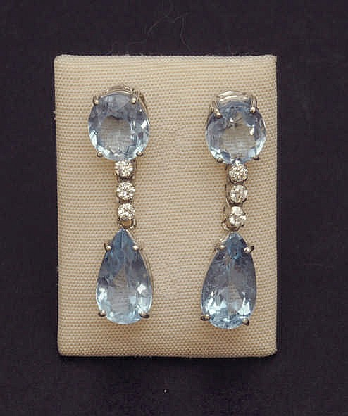 Aquamarine and diamond earrinds