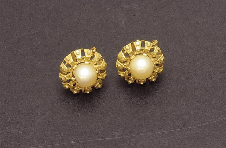 Damaged pearl yellow gold earrings