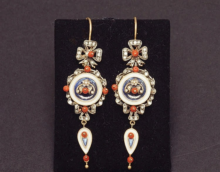 Earrings with enamel, coral and diamonds