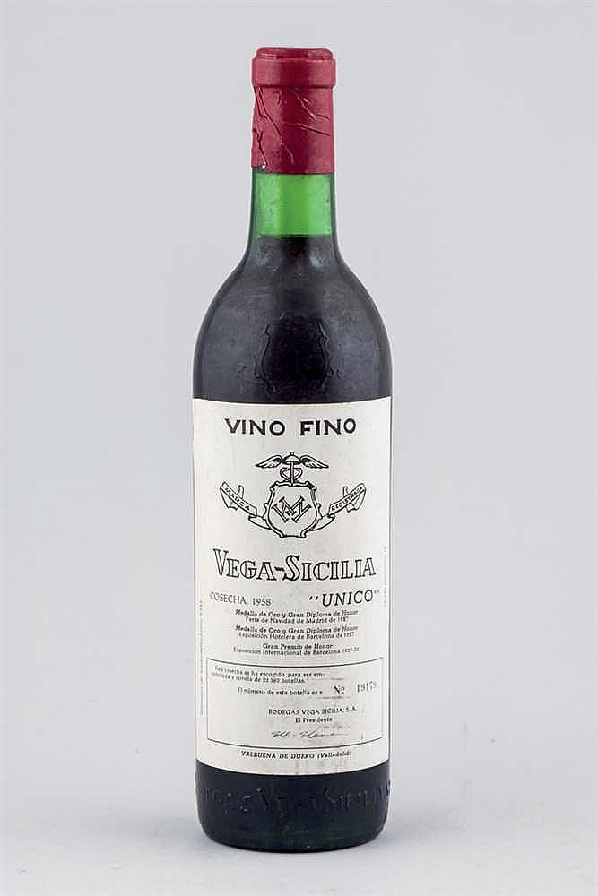 Vega Sicilia Único Bottle, 1958