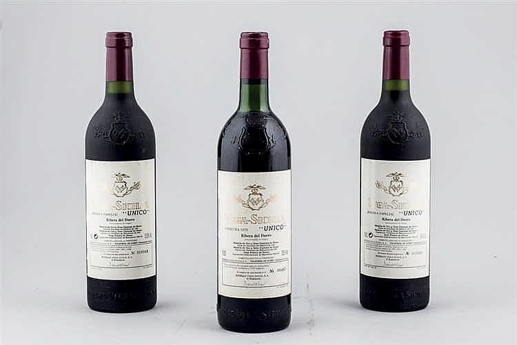 3 Bottles Vega-Sicilia Único, 1979, 2005, 2006