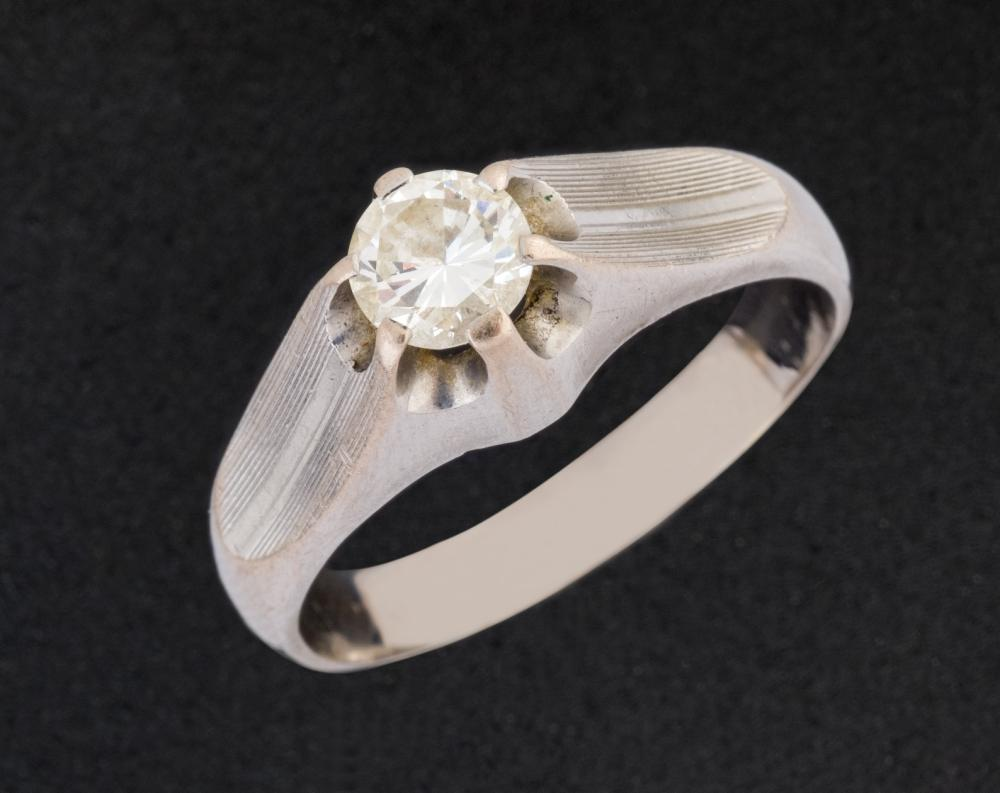 Mens gold ring with 0,60 cts diamond