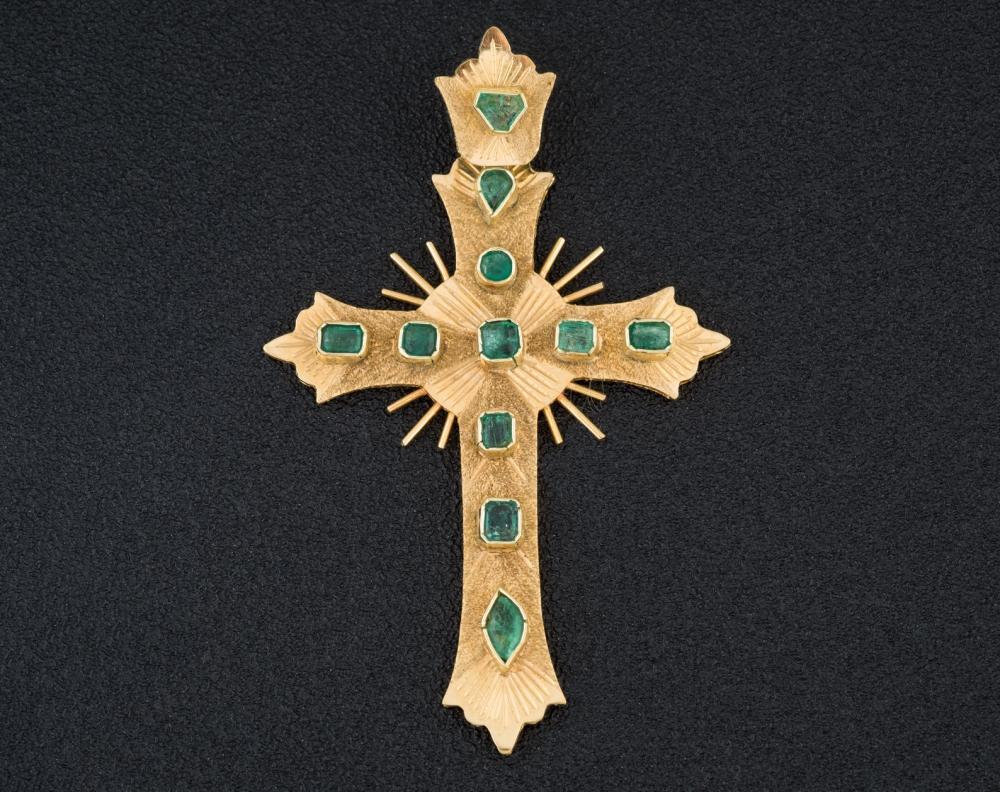 Colombian emerald gold cross pendant