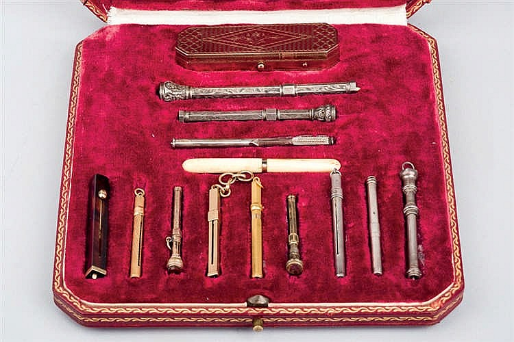 Set of 14 Snuff Choppers, late 19th C.