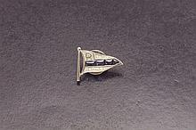 Sapphire and diamond nautical button