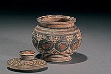 Greek Pixide made of terracota. Circa 600-550 a.C