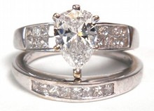 1.00ct Diamond Pear Engagement Ring