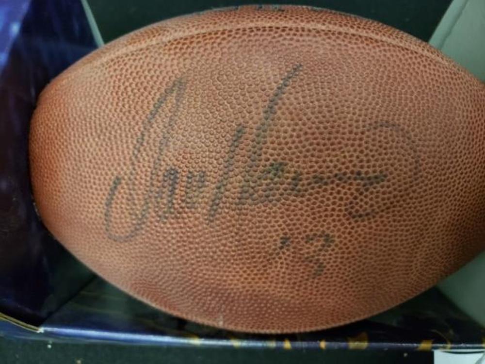 *NFL Miami Dolphin Dan Marino Autographed Football