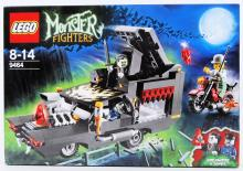 LEGO MONSTER FIGHTERS: A Lego