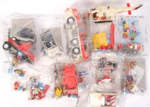 LARGE QUANTITY OF ASSORTED VINTAGE PLAYMOBIL PLAYSETS